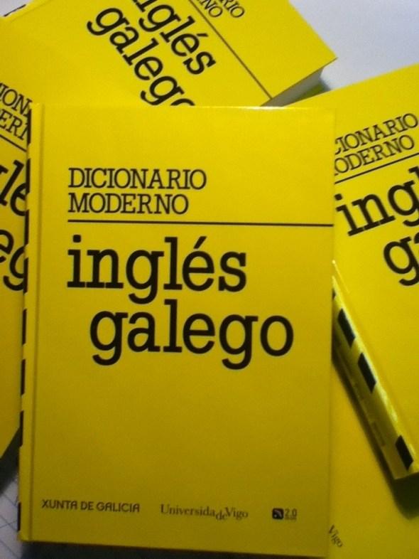 O dicionario moderno inglés-galego